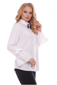 Блуза «Агата» белого цвета с брошью